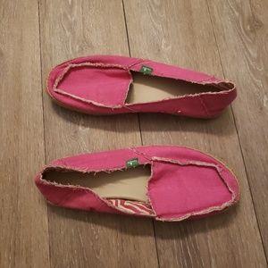 Sanuk hot pink Fiona flat size 10